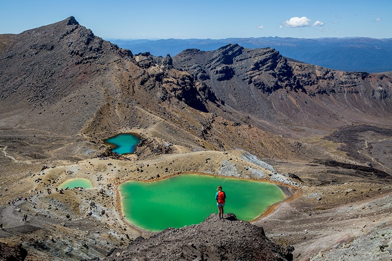View of the Emerald Lakes on a Tongariro Crossing guided tour